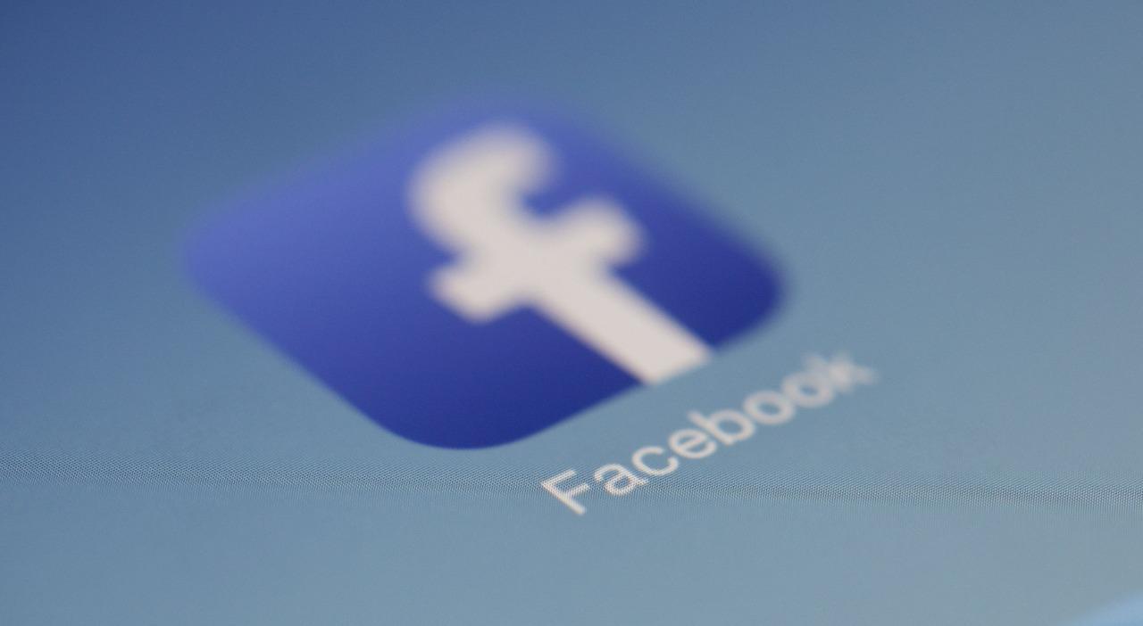 Facebook - jak wyświetlić najnowsze posty?
